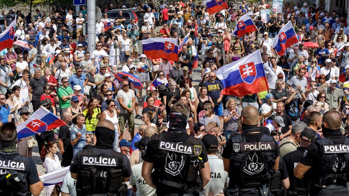 Slovenská koalice se shodla na zvýhodnění očkovaných. Hanba, volali odpůrci