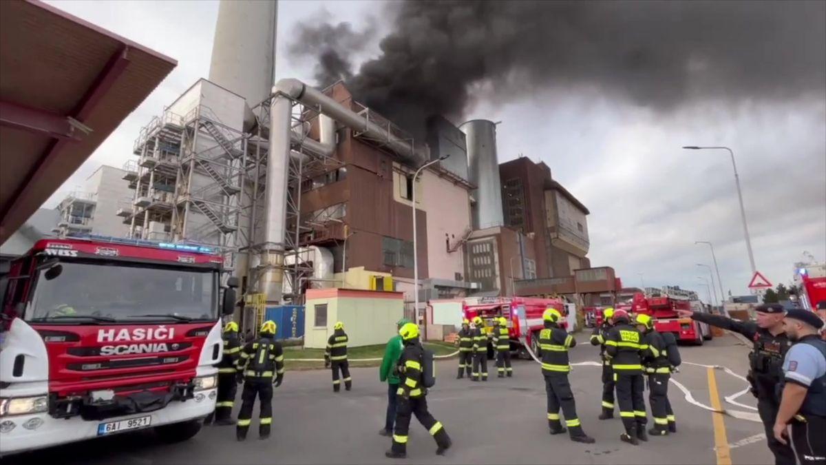 Video: Hořela malešická spalovna. Škody budou za stamiliony