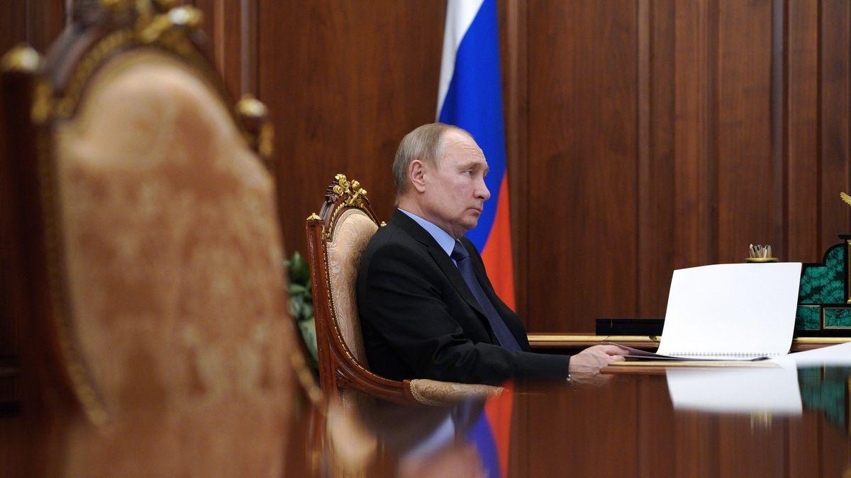 Putin přijal nový zákon. Umožní mu další dva mandáty