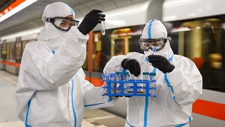 Lidé se pražské MHD bojí zbytečně. Koronavirus tam není, zjistili vědci