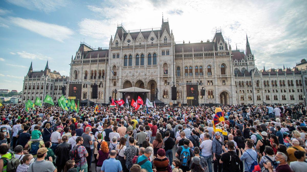 Výstavba čínské univerzity budí rozpory. Protestují tisíce Maďarů