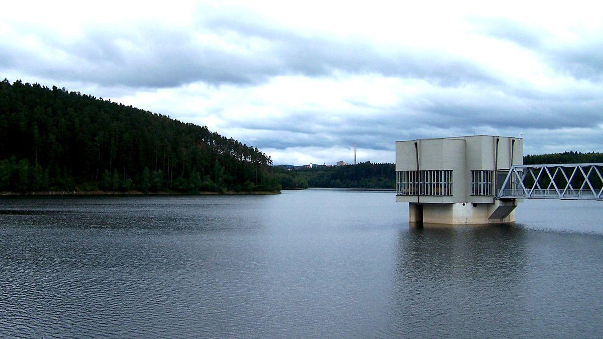 Efekt klimatické změny vČesku. Zjezer mizí kyslík, zhoršuje to pitnou vodu