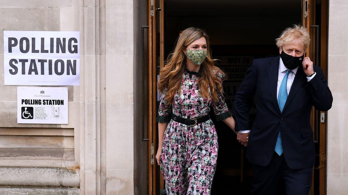 Britský premiér se skutečně oženil. Unikla iprvní fotografie