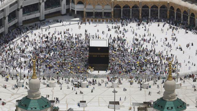 Na pouť do Mekky se letos vydá maximálně 60000lidí. Nikdo ze zahraničí