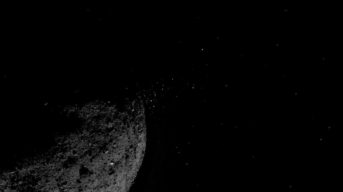 Kolem planety Země dnes proletí asteroid orozměrech egyptských pyramid