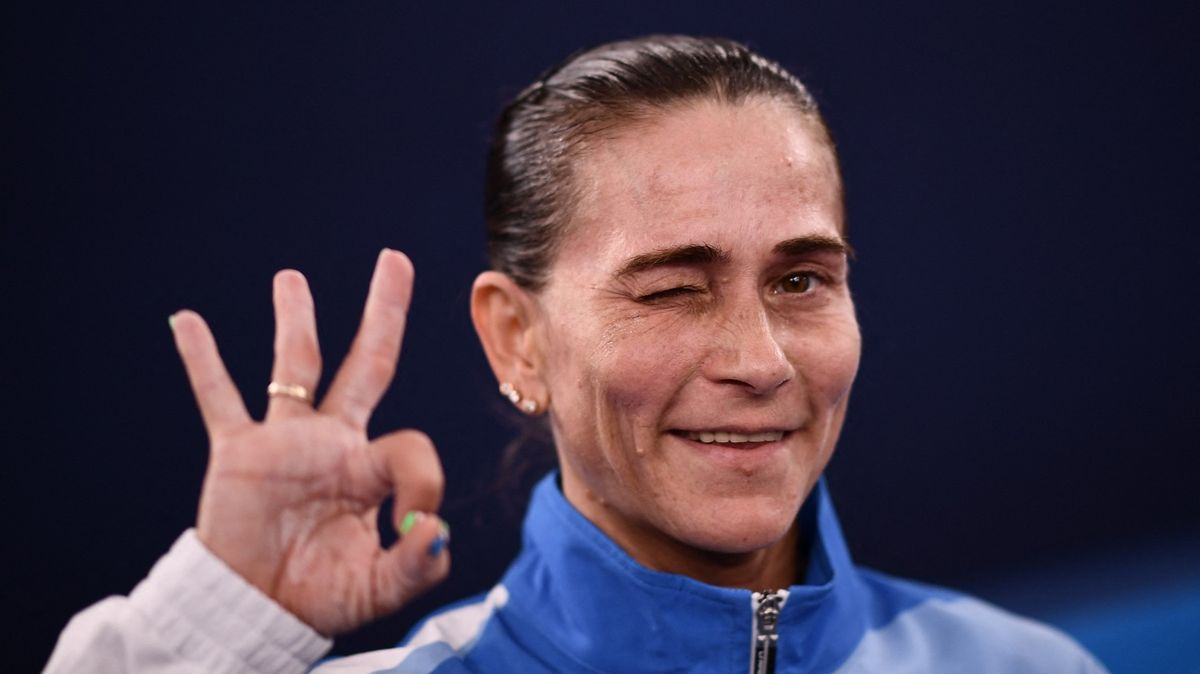 Gymnastce je 46let, závodí vTokiu. Zůstala, aby sehnala peníze pro nemocného syna