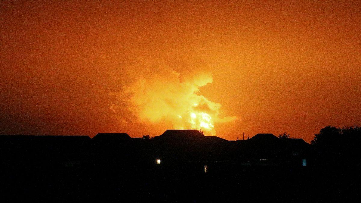 Sloup ohně až do nebe. VÁzerbájdžánu došlo kobrovské explozi