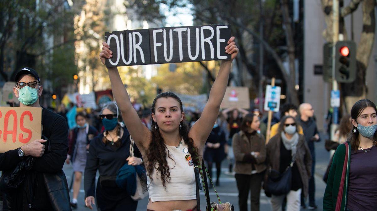 Austrálie musí chránit mladé před CO2, vymínili si teenageři a jeptiška