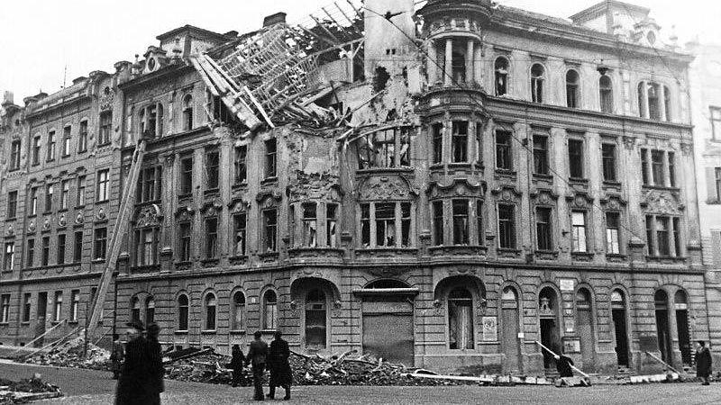 Fotogalerie. Sověti vBrně bombardovali přesněji než USA, míní expert