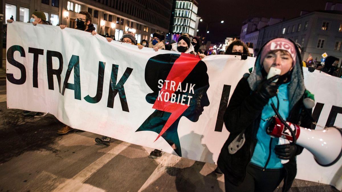 Zákaz potratů platí, Polky musí donosit idítě bez šance na přežití