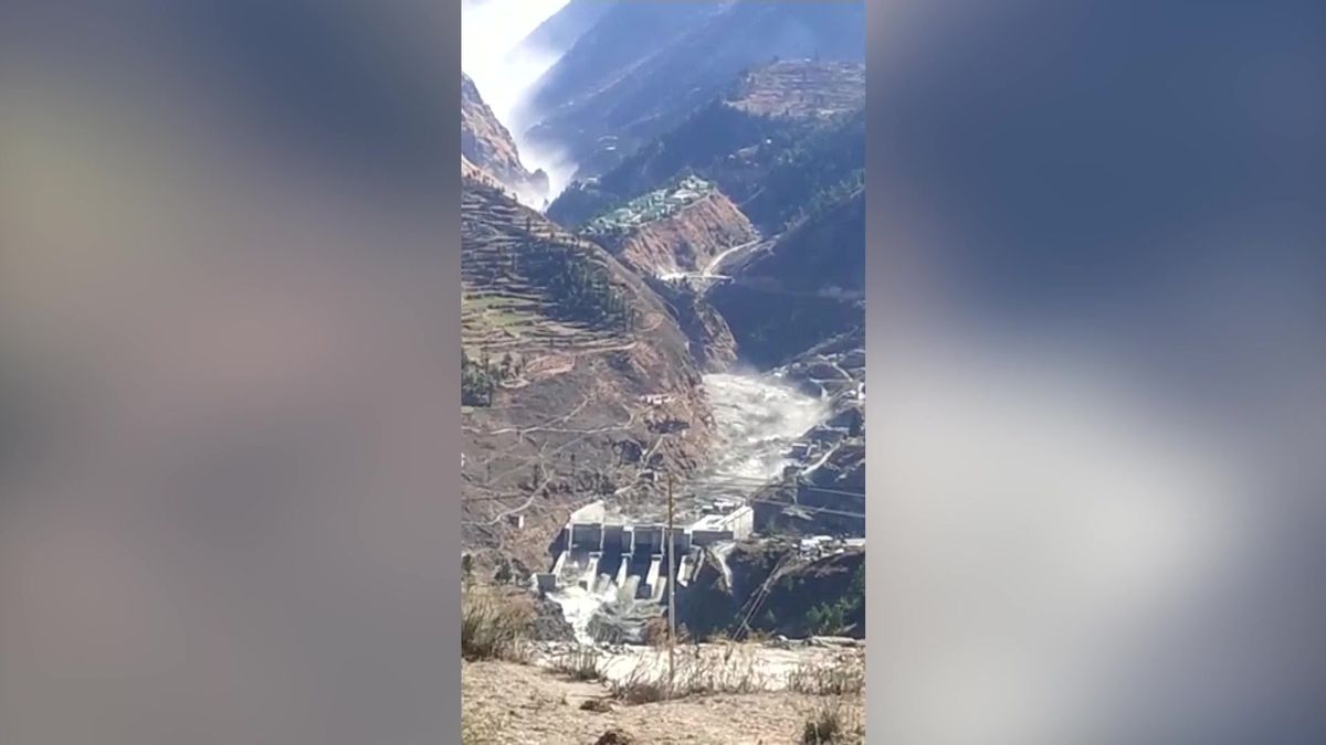 Video: Utržený ledovec způsobil vIndii záplavy, zemřelo nejméně 14lidí