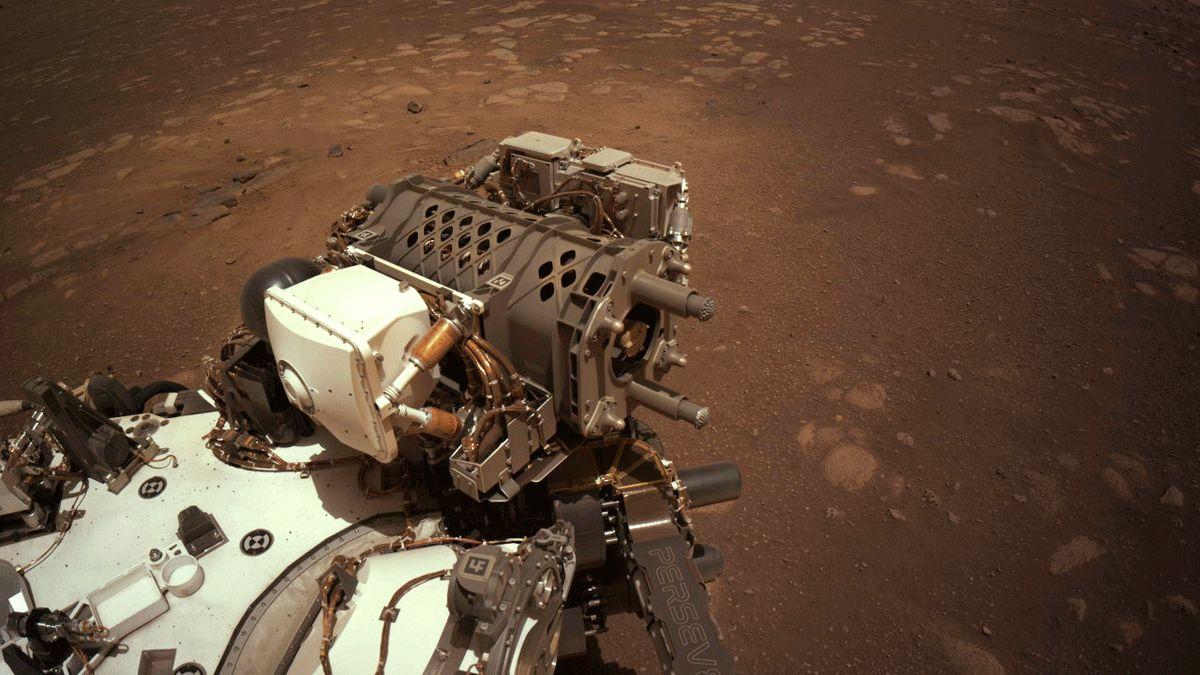 Pozdrav zMarsu. Vozítko NASA vyrazilo na cestu a posílá fotky