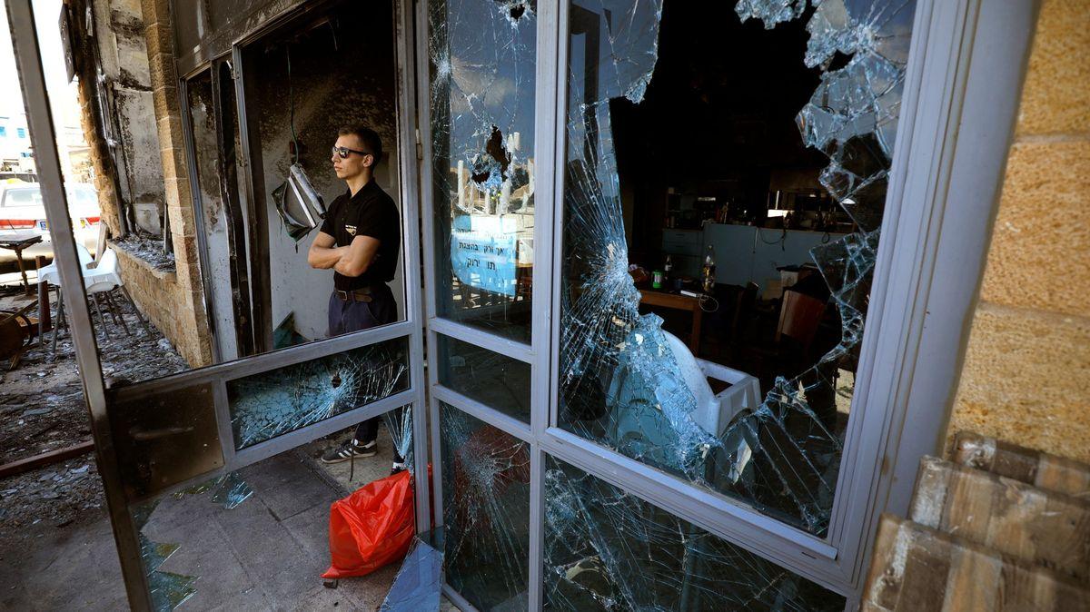 Násilí, brutalita a nenávist. Izraelská města ochromily etnické nepokoje