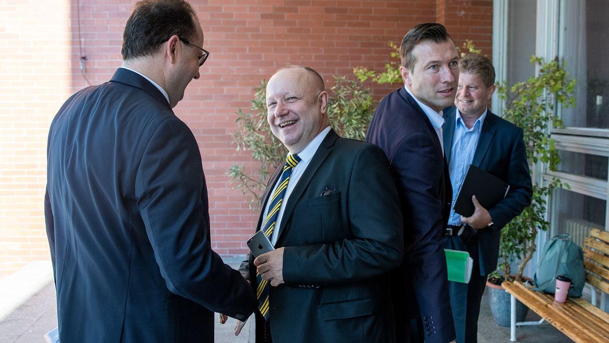 Fotbalovým předsedou je Fousek, se spojenci má ve vedení většinu