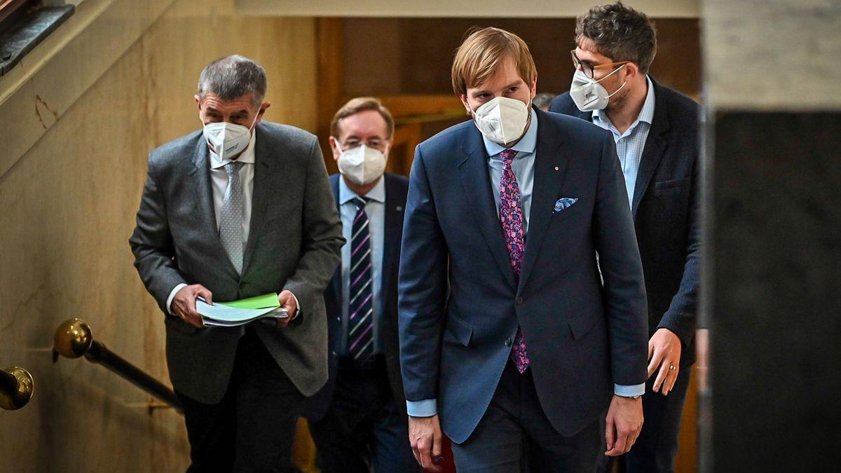 Následek ministerských rošád. Zapomněli, že ke covidu se může přidat chřipka