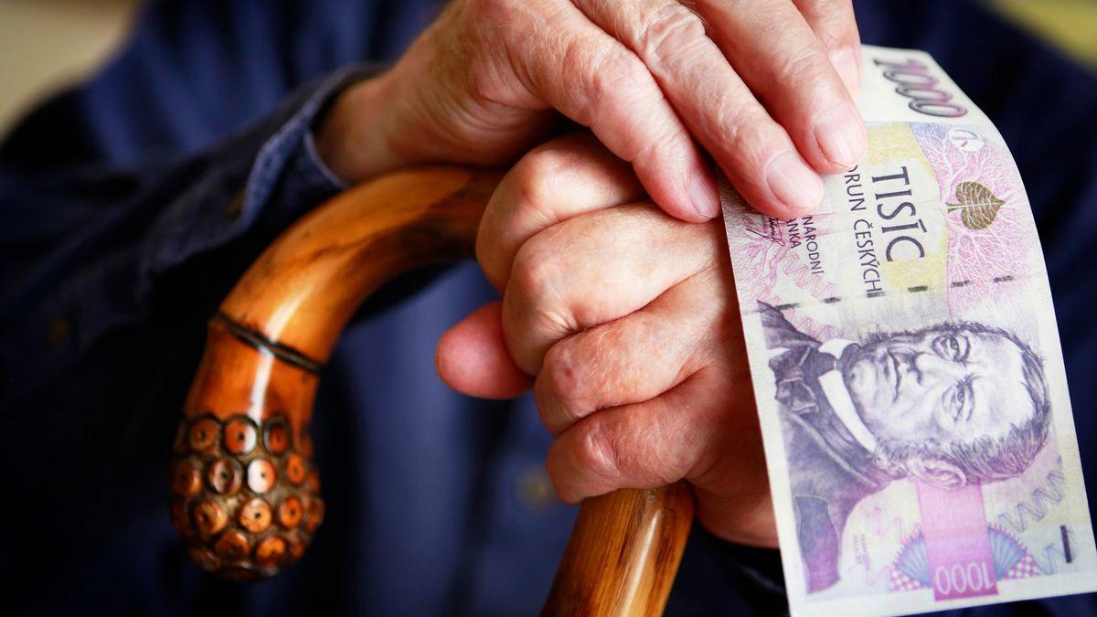 Ruleta sdůchody. Poslanci vpátek přidají 11, anebo 78miliard