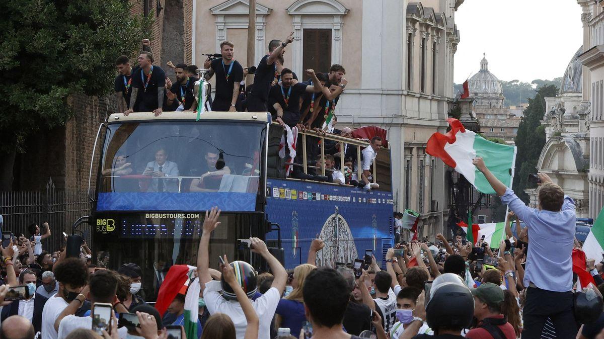 Fotbalové Euro přineslo Itálii radost, oslavy ale zvýšily počet nakažených