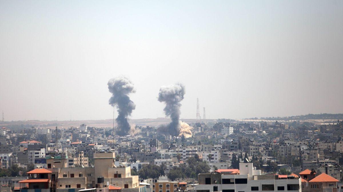 Izrael se ve válce sGazou dopustil válečných zločinů, tvrdí organizace