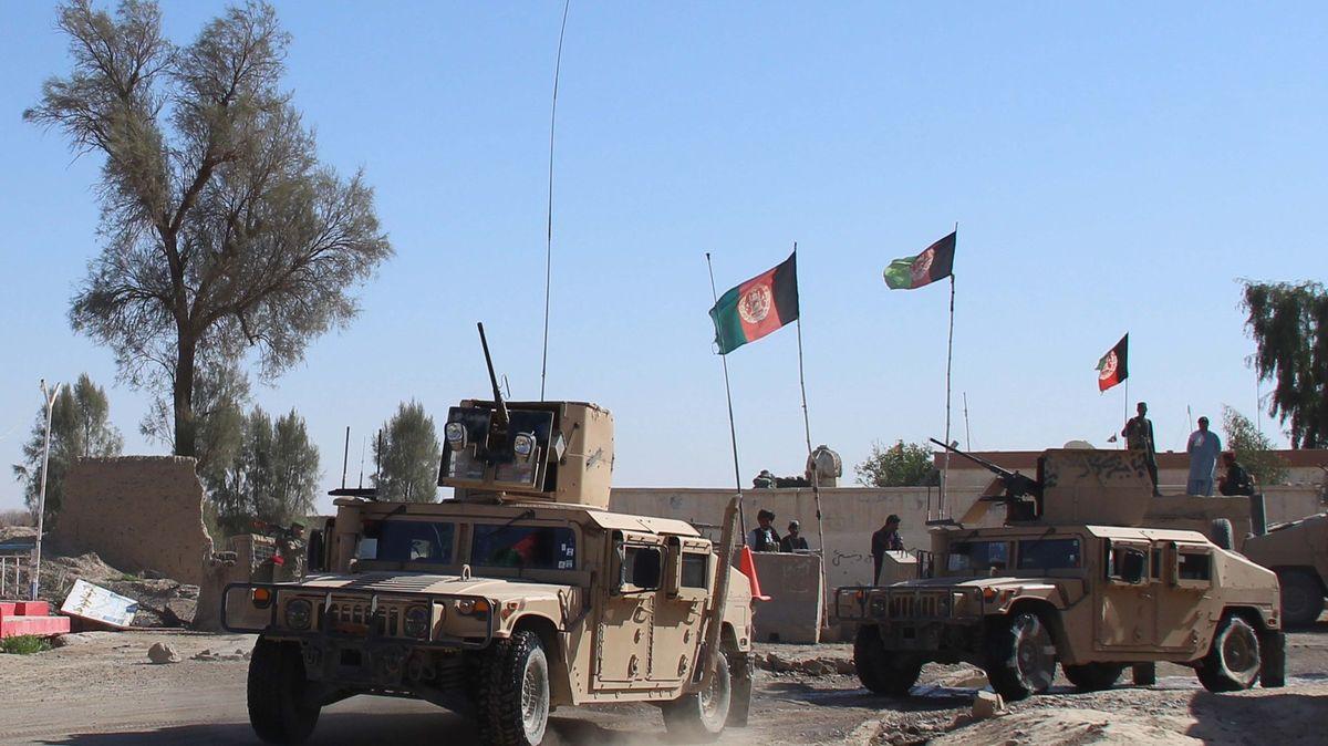 Tálibán na postupu. Obklíčil tři klíčové afghánské provinční metropole