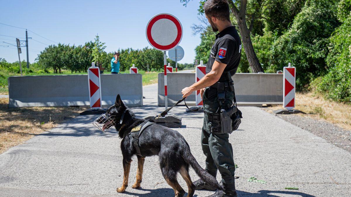 Na Slovensku už platí nová pravidla. Neočkovaní zamíří do karantény