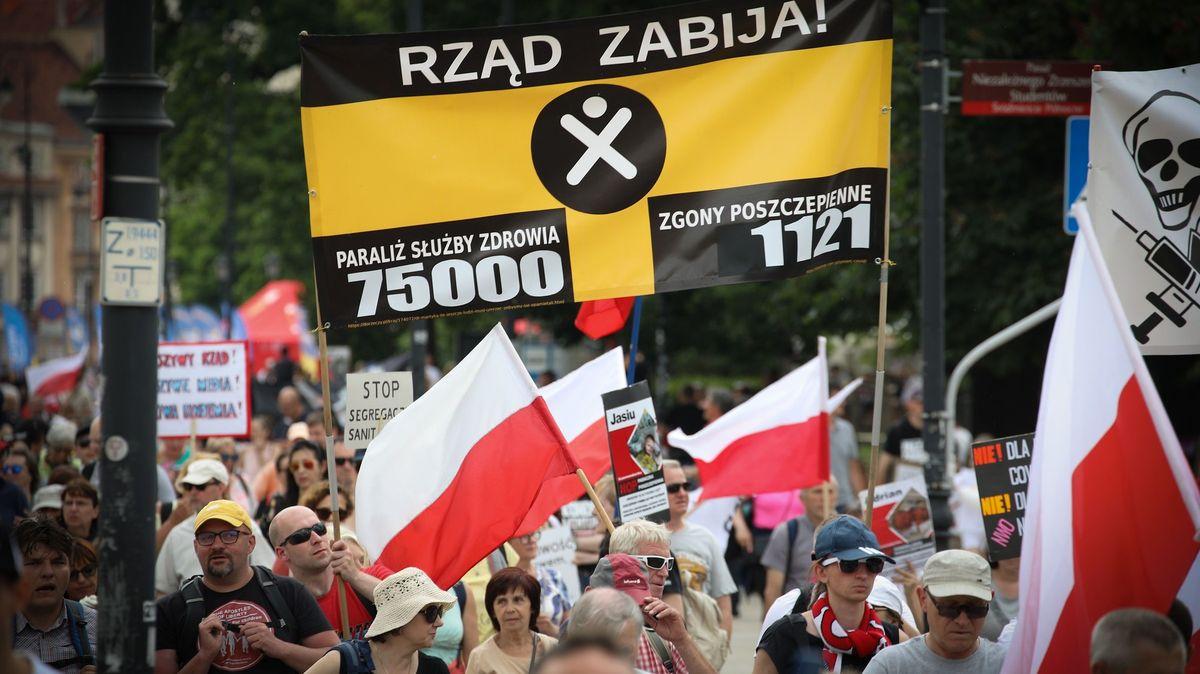 Polsko rozprodá vakcíny do zahraničí, důvodem je nezájem oočkování