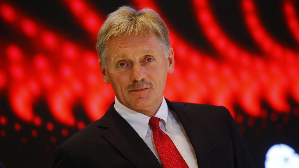 Komentář: Putin vnesnázích. Virus přelézá hradby Kremlu