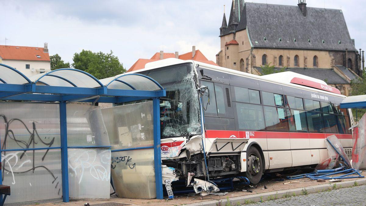 Řidič autobusu, který zabil chlapce, přiznal chybu. Neznal brzdy