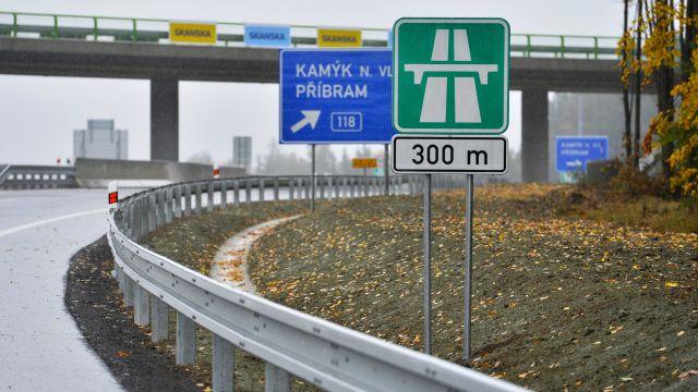 """""""Hlídači"""" první privátní dálnice budou dostávat téměř 5milionů měsíčně"""