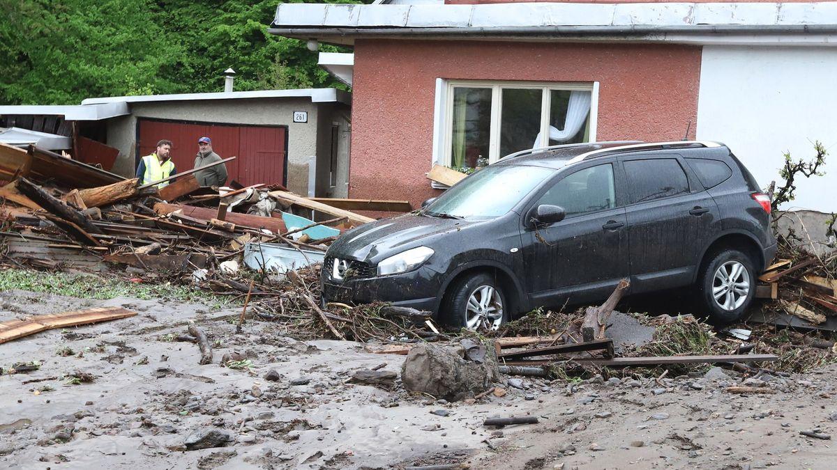 Deště na Slovensku zvedly hladiny řek. Vlna zprotržené nádrže zabila seniora