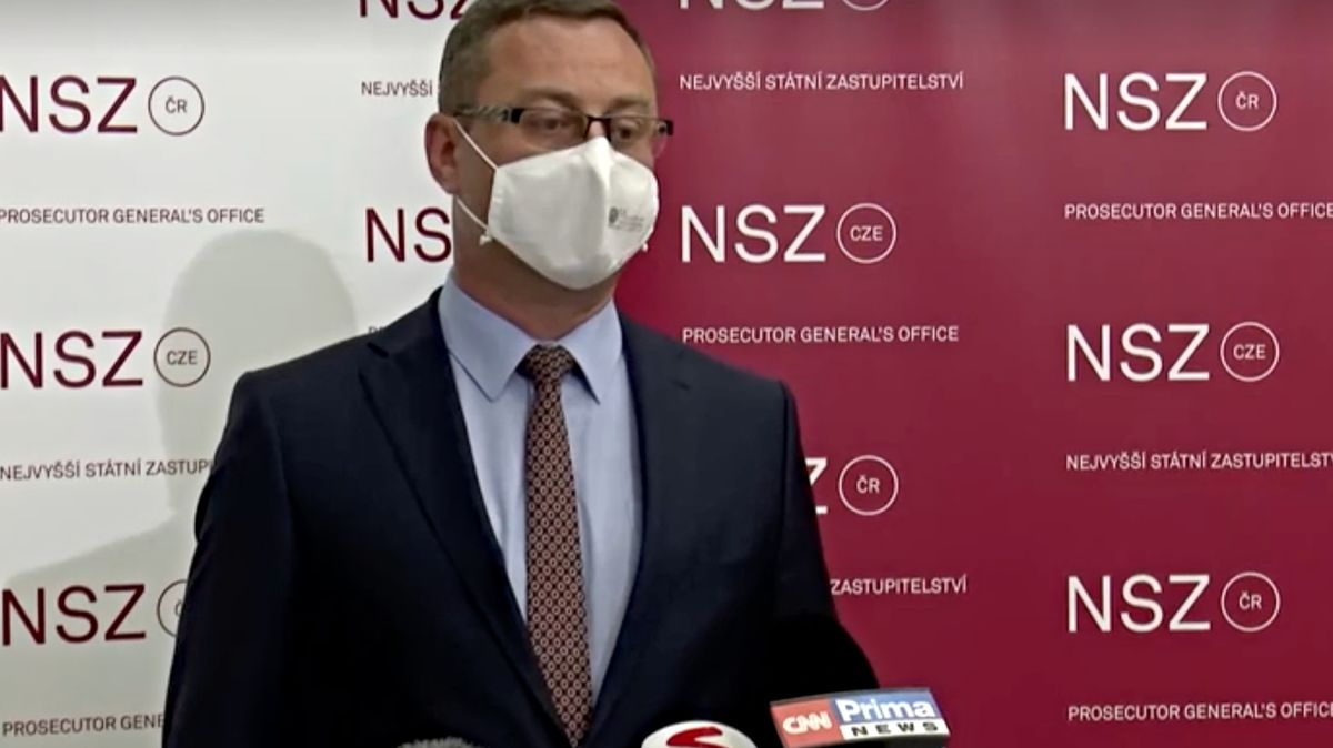 Nejvyšší státní zástupce Zeman rezignoval kvůli tlakům Benešové
