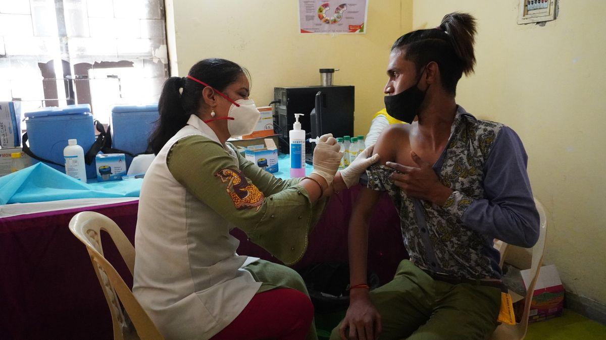 Indie údajně usiluje opovolení od EMA, ale ne kvůli prodeji vakcín