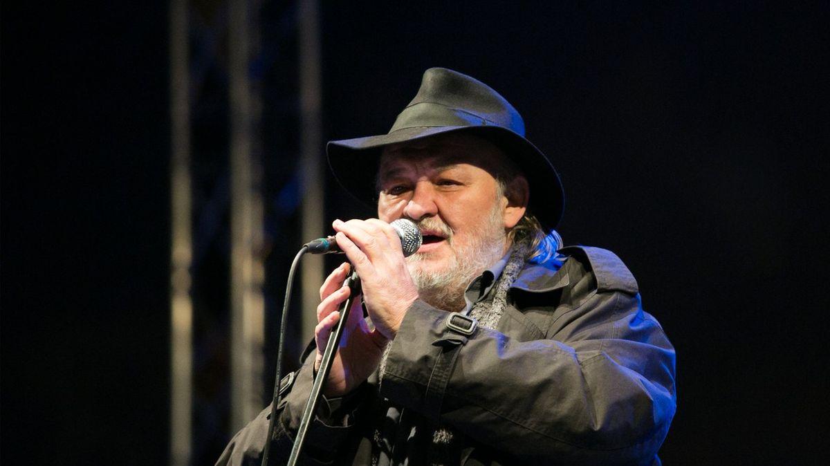 Ve věku 66let zemřel valašský zpěvák František Segrado