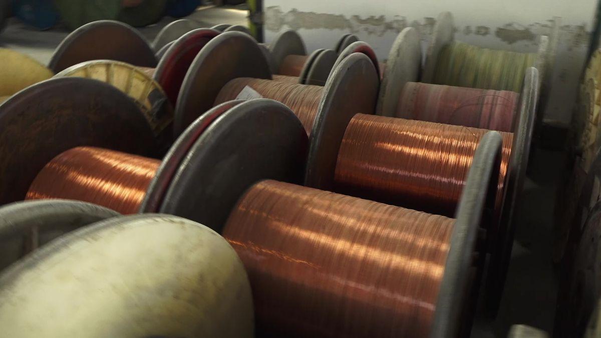 Touto továrnou legendárního Kolbena prošel Edison iTesla. Teď staví sklady