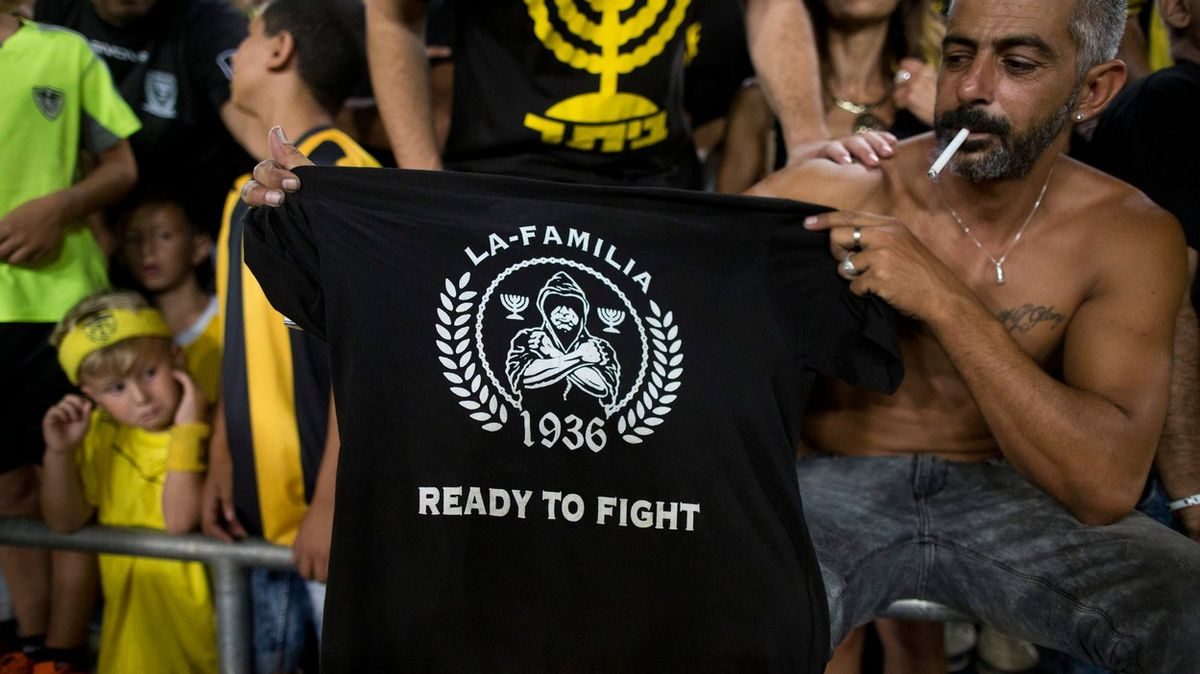 Smrt Arabům, křičí na stadionech. Teď chce Arab koupit jejich tým