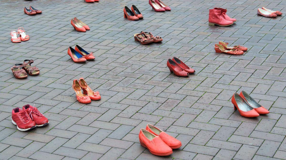 Do velikosti bot při on-line nákupu se netrefí třetina lidí