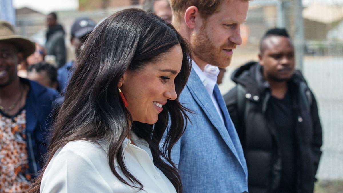 Vévodkyně Meghan vydává knihu ovztahu Harryho sArchiem
