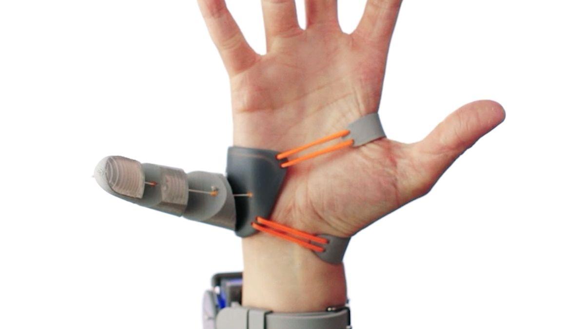 Mozek člověka umí ovládat třetí palec. Aten se dá izískat