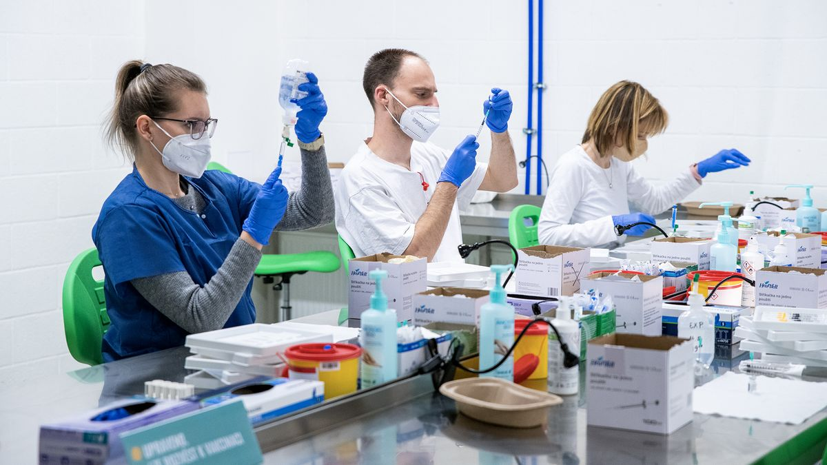 Imunita, co vydrží roky. Studie odhalují, jak odzbrojit covid