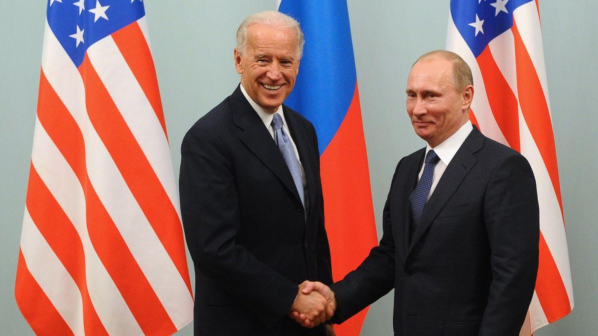 Shodnete se skrajany? Čechům je sympatický Joe Biden, Rumunům Vladimir Putin