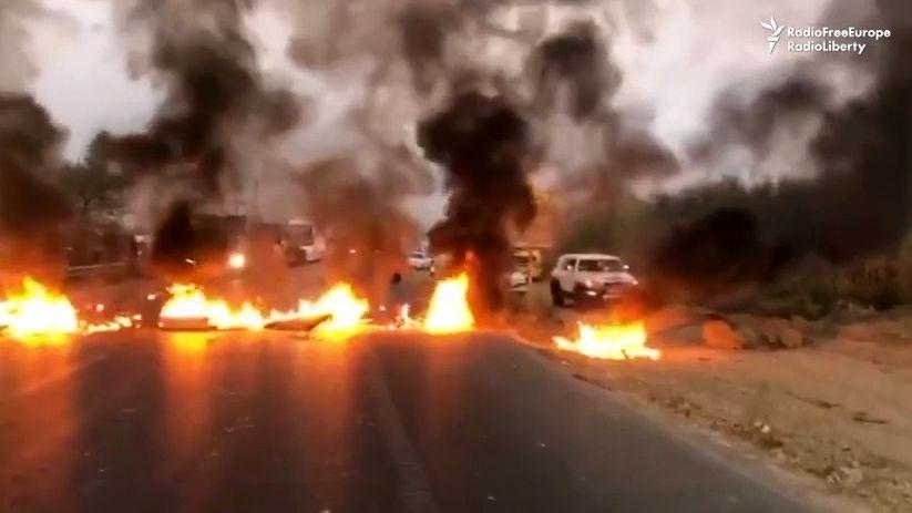 Video: Vedra až 50stupňů. VÍránu vypukly nepokoje kvůli nedostatku vody
