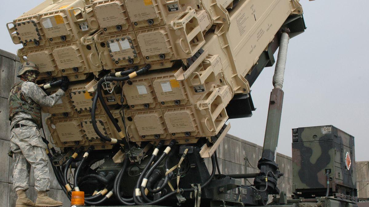 Čína vrací úder. Uvalí sankce na Lockheed Martin