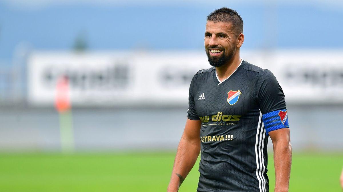 Baroš ukončil fotbalovou kariéru. Zdravotně to už dál nešlo, řekl