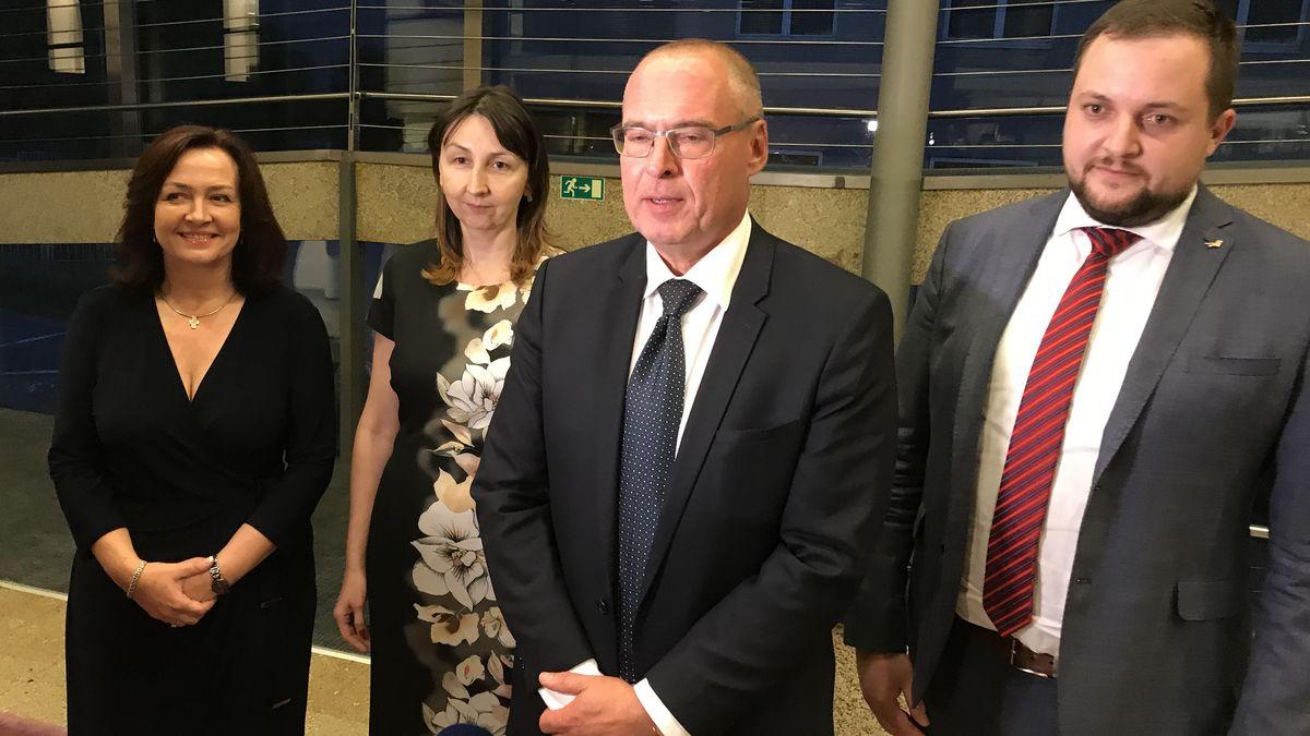 ANO povede do krajských voleb pět současných hejtmanů