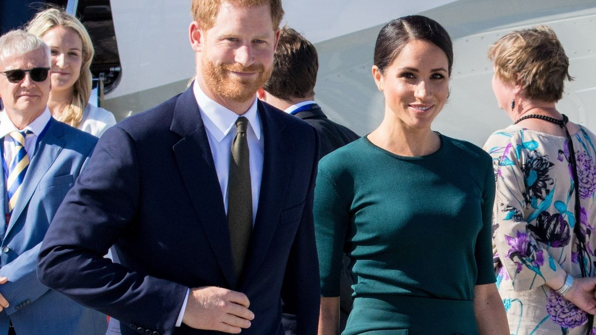 """Napětí vBuckinghamském paláci. Harry a Meghan řeknou """"vše"""""""