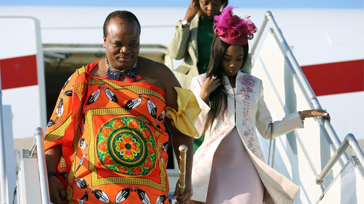 Afrického krále zcovidu-19údajně vyléčil tchajwanský dar