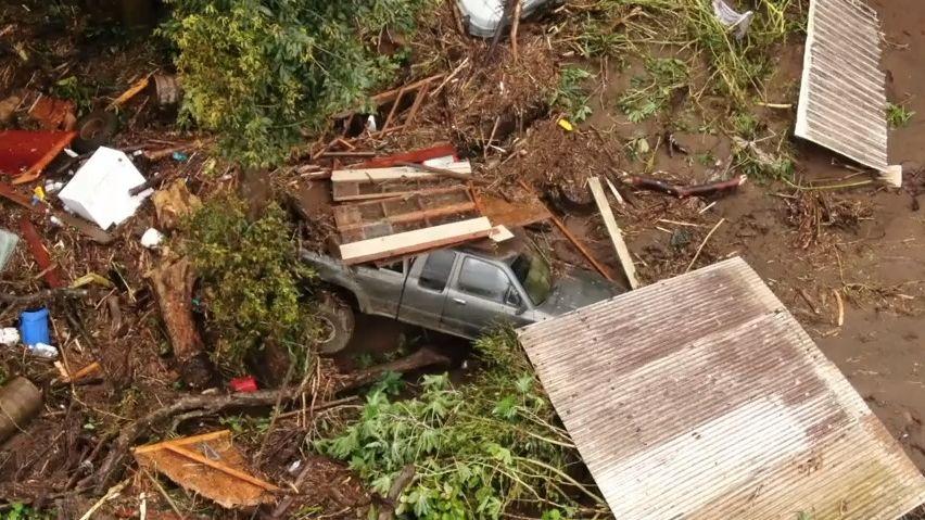 Video: Havaj postihly mohutné záplavy, na Maui přetekla přehrada