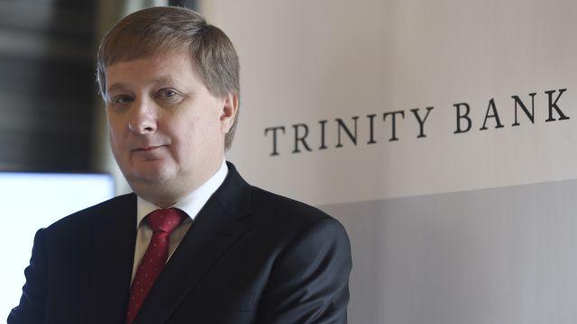 Český miliardář se pokouší ovládnout banku. Do hry vstupuje ČNB