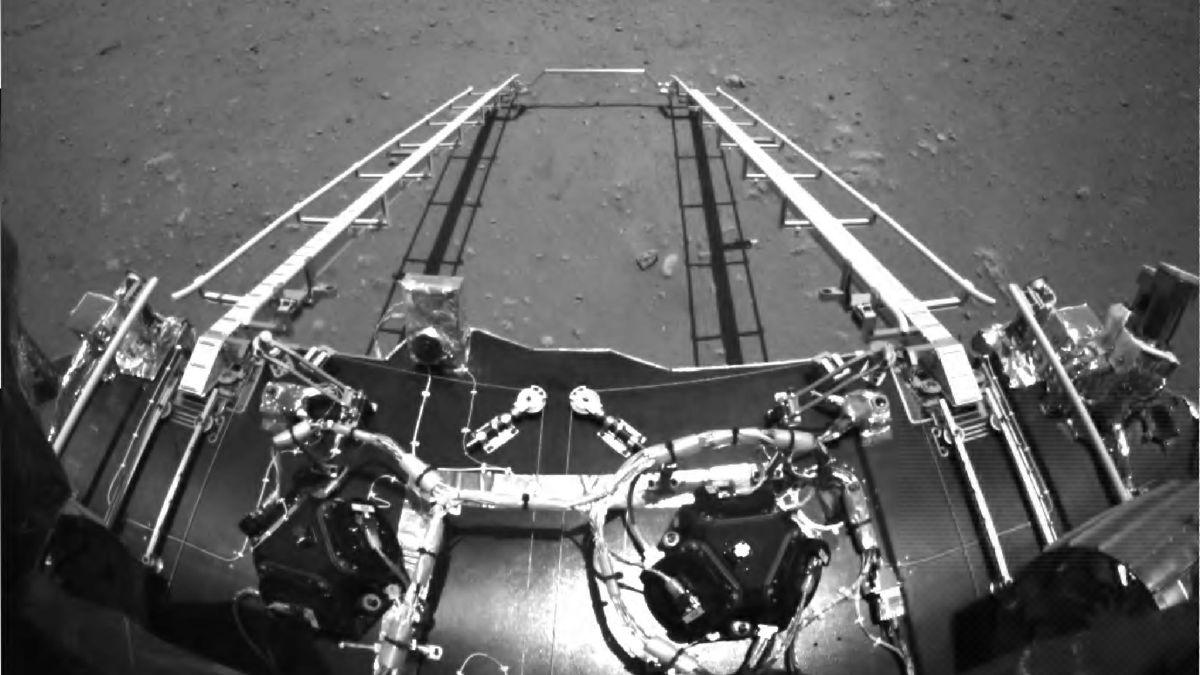 Čínské robotické vozítko vyjelo na povrch Marsu
