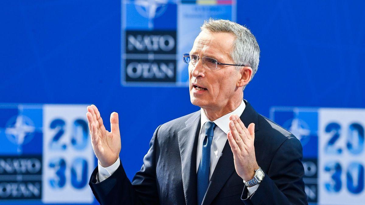 Třicítka lídrů jedná obudoucnosti NATO. Vpopředí zájmu je Rusko a Čína