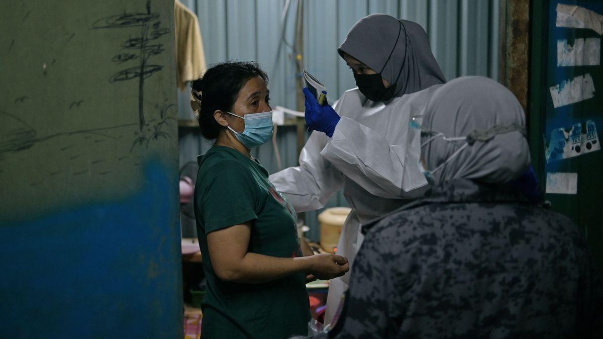 Zdravotnictví vrozvrácené zemi kolabuje. Kvůli nové vlně covidu a honu na lékaře